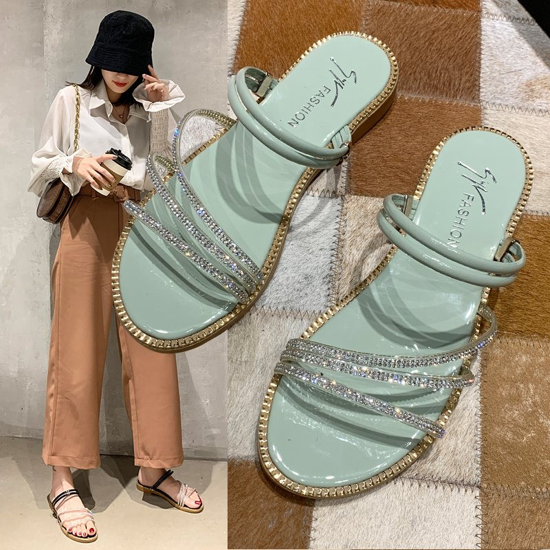 ruiyee ms real hair slipper luxurious fox hair workplace slippers comfortable hairy slippers sandals 2018 summer style Summer New Style Slippers Women Flat Sandals with Rhinestone Uppers Sexy Outdoor Comfortable Soles Girls Beach Slippers