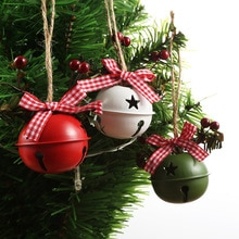 New Product Painted Wrought Iron Christmas Tree Decoration With Big Bells And Beautiful Farm Christm