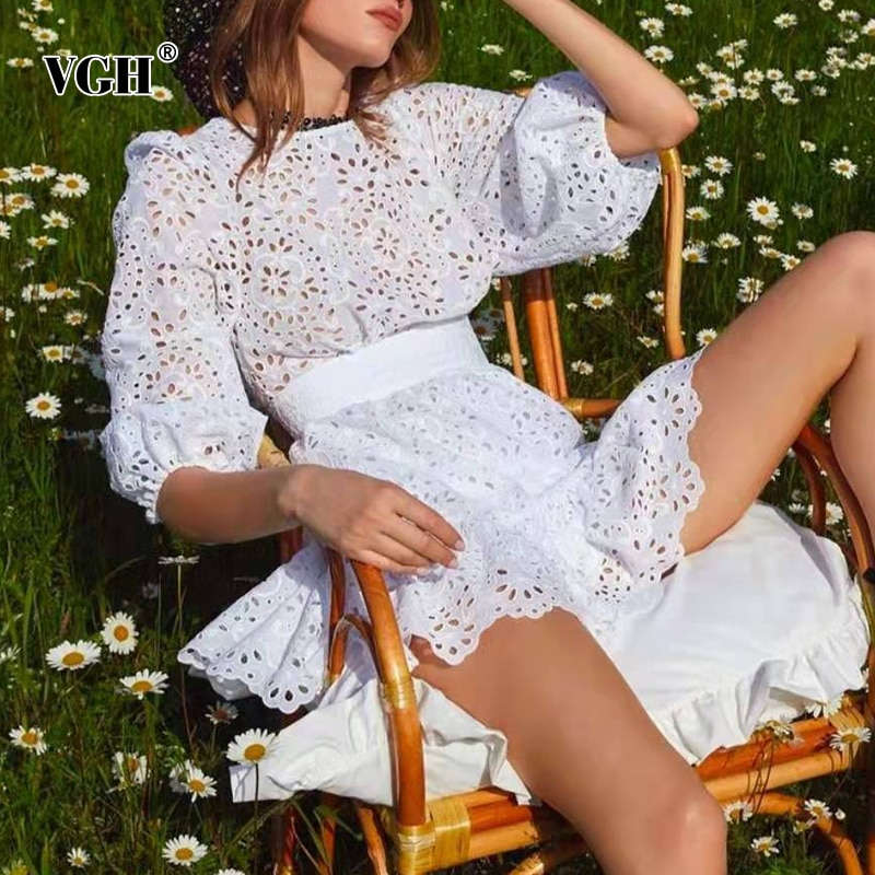 VGH مجموعة الربيع الأبيض الأنيق للنساء س الرقبة فانوس كم طويل بلايز عالية الخصر الجوف خارج تنورة الإناث مجموعات 2021 جديد