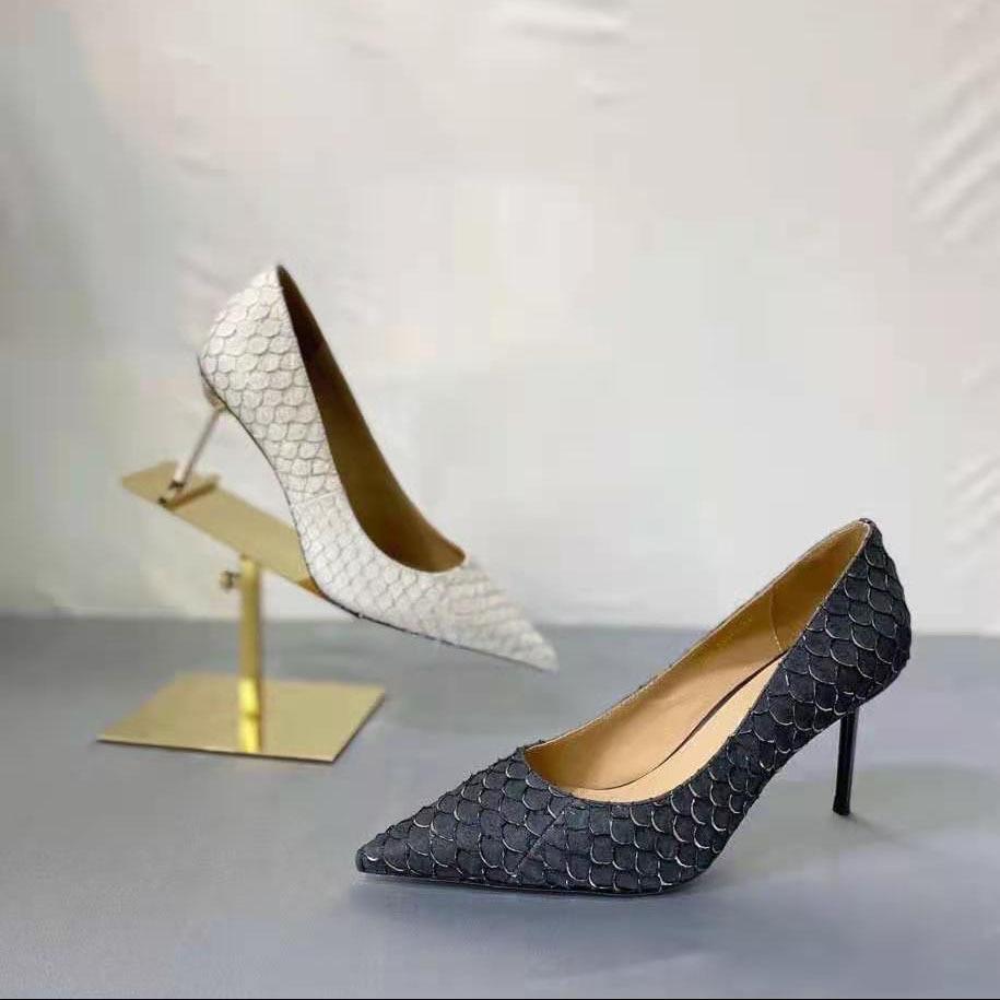 أحذية نسائية جديدة في ربيع 2021 وأشار كعب رقيقة جلد السمك أحذية عالية الكعب