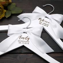 Percha de boda personalizada, colgador de vestido de boda, colgador de ropa cortado con láser, regalo de dama de honor, niña de las flores