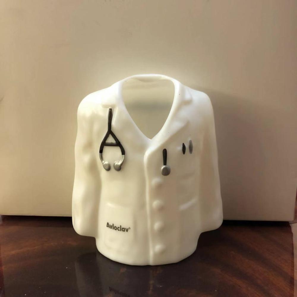 Creative gift Doctor Cylinder pen holder Doctor clinic hospital doctor white coat