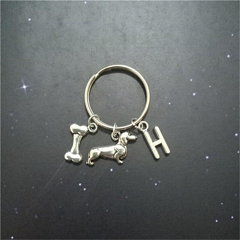 LLavero de perro, llavero de hueso, regalo personalizado de perro salchicha, abalorio inicial, regalo para Amiga creativo, hecho a mano, llavero de bolsos bonitos