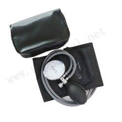Manguito manual adulto da pressão arterial, punho duplo do tubo com calibre de pressão e lâmpada da inflação.