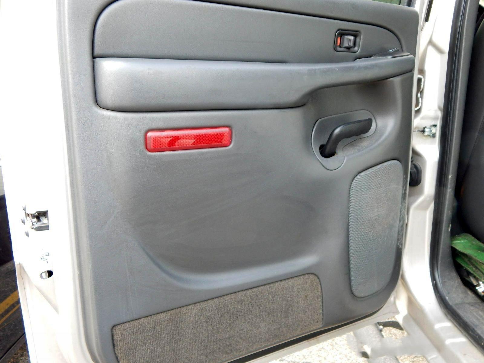 1PC Premium Heavy Duty Interior Rear Left Door Reflector NEW Door Panel 15183155 For Chevy GMC Trucks SUVs 03-07 Left Trim