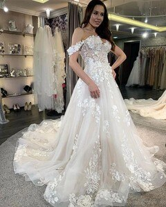 2020 New Off Shoulder Lace Wedding Dresses For Bride Appliques Sweep Train Country Style Bridal Gowns Modern Vestidoe De Noiva