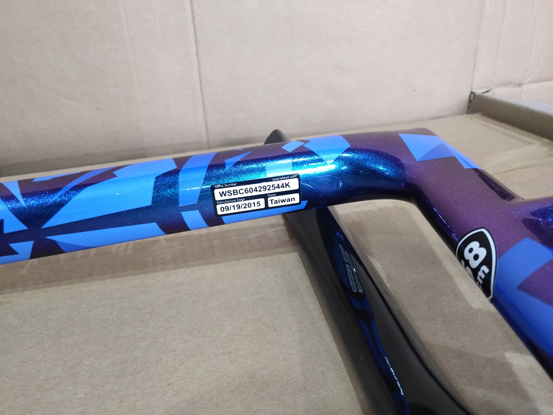 Карбоновая рама для дорожного велосипеда, Новый карбоновый каркас для дорожного велосипеда с дисковыми тормозами, синий цвет sagan 700C карбоно...