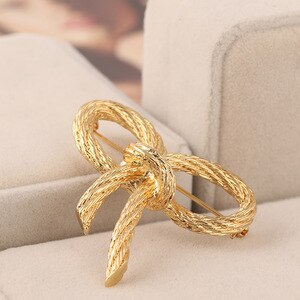 Simple Bow Knot Women Brooches  New Fashion Weave style Coat Accessory Environmental Cooper gold color butterfly Brooch Jewelry
