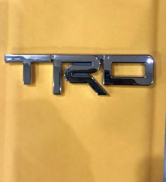 Weekeight, apto para 4 corredores, 2015 TRD, emblema de Metal plateado, PT413-00150 weekeight