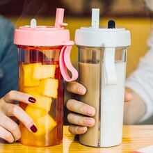 Bouteille deau à deux pailles   Portable, créatif Sport de voyage en plein air, paire de gobelets à boire étanche avec poignée, bouteille à boire à double usage
