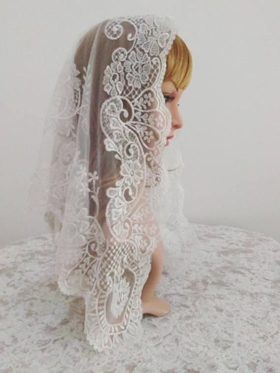 White Embroidery Short Style Wedding Lace Veil Spanish Style Lace Mantilla