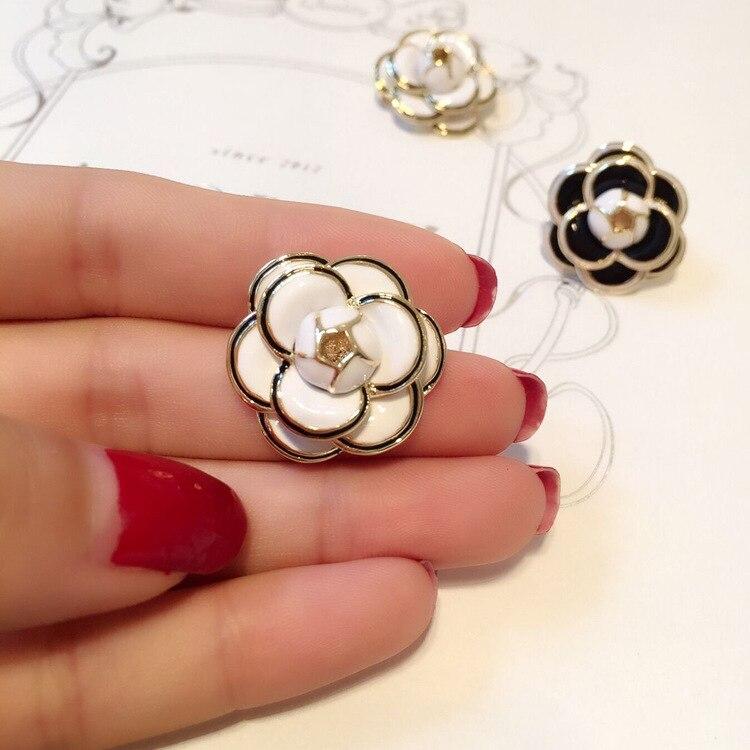 Broche de Camelia negro blanco pequeño de marca grande de lujo pins fiesta pasarela moda flor broches pin con distintivo para mujer