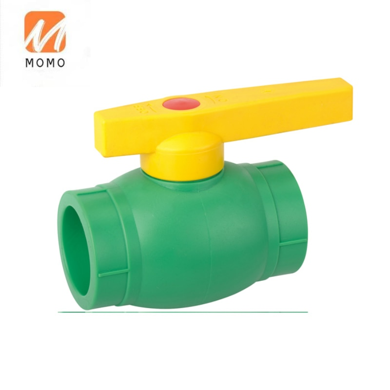 ISO15874 DIN8077/78 القياسية PN16 PN20 PN25 السباكة مواد بناء حار كرة ماء صمامات الأنابيب والتجهيزات