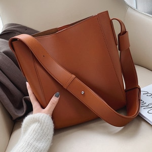 High Capacity Solid Color PU Leather Crossbody Bags For Women 2021 Bucket Bags Ladies Handbags With Wide Belt Travel Handbags