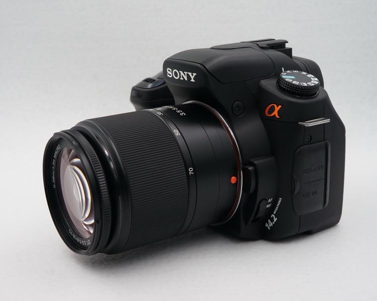 تستخدم سوني ألفا DSLR-A350 14-megapixel CCD ، الوجه متابعة LCD ، الاستشعار التحول مثبت الصورة ، و المدمج في لاسلكية فلاش تحكم