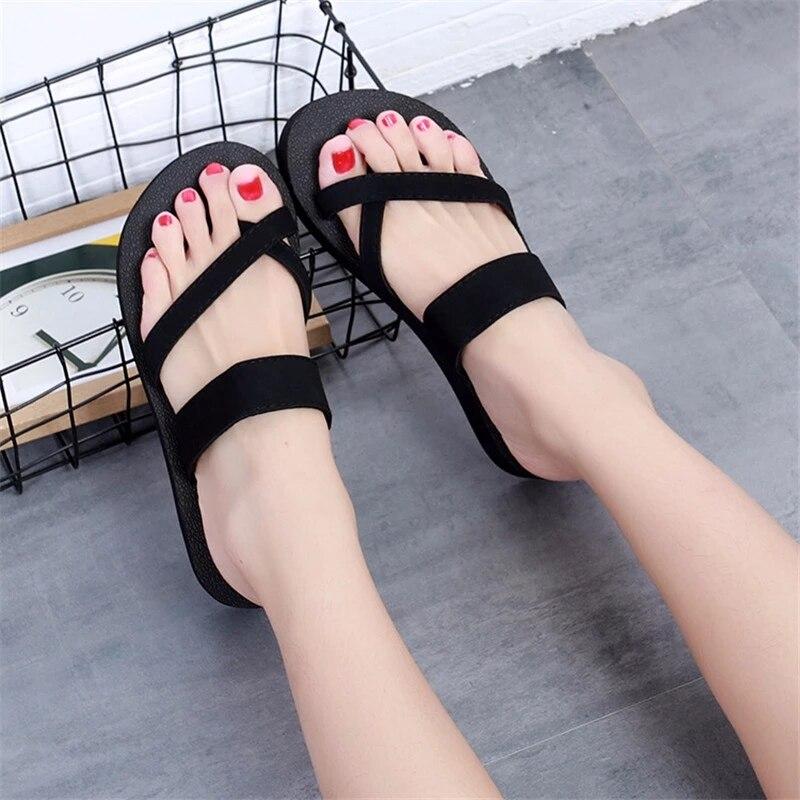 Фото - 4411 Роскошные брендовые пляжные тапочки для мужчин и женщин, уличная нескользящая обувь, летние сандалии и тапочки, качественная обувь роскошные пляжные отели