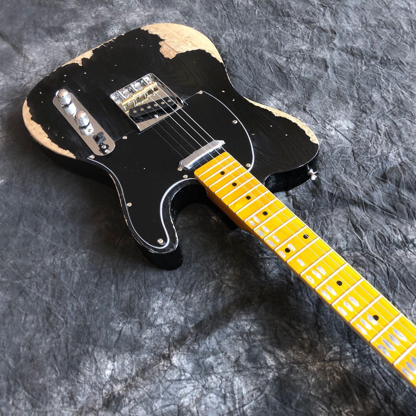 New style.electric guitar.black color relics guitar.maple fingerboard gitaar,handwork 6 Strings guitarra. enlarge