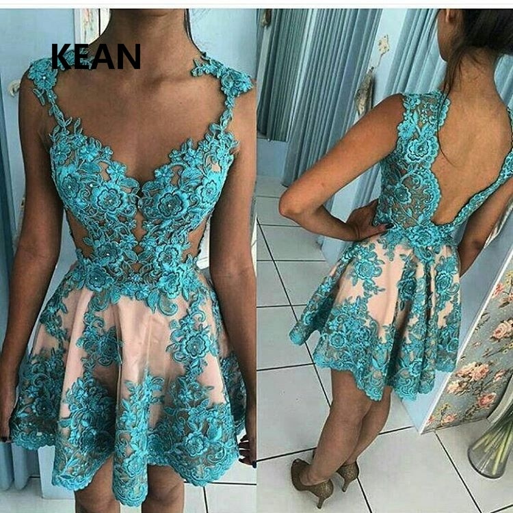 فستان كوكتيل أزرق مع زينة ، ملابس سهرة أنيقة ، طول الركبة ، خط ، ظهر عاري ، مصنوع حسب المقاس