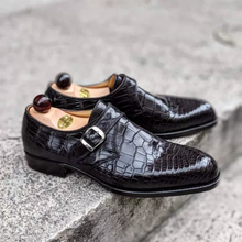 Men's  Classic Black Crocodile Pattern Pointed Toe Single Buckle Low Heel Comfortable Fashion Busine