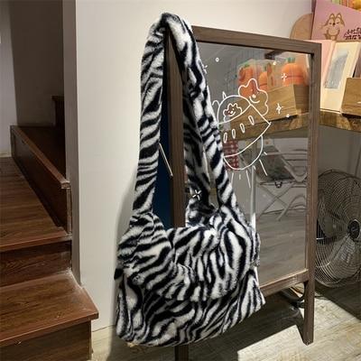 NEW Women Soft Faux Fur Handbags Cute Winter Clutch Bag 2020 Ladies Purse Female Tote Travel Plush Shoulder Bags Winter Bags
