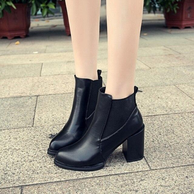 Xiaying ابتسامة 2020 الخريف والشتاء جديد رقيقة عالية الكعب الأحذية النسائية كعب سميك أحذية بوت قصيرة حذاء برقبة مارتين بكعب مدبب