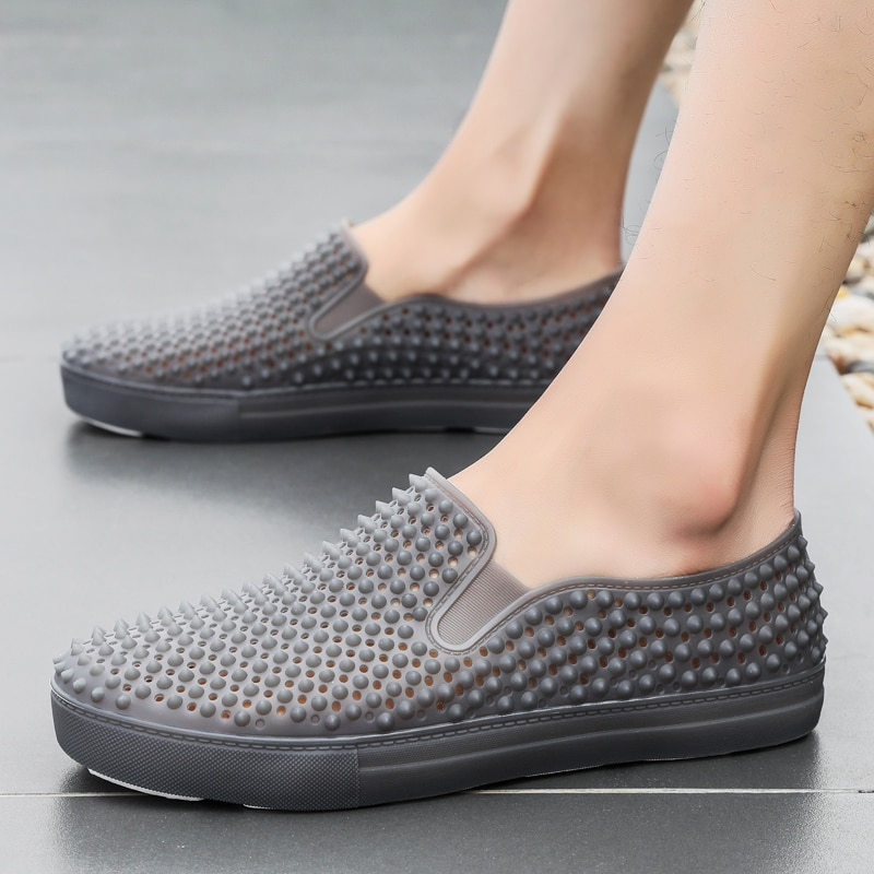 Hot Sale Nail Casual Shoes Men Lazy Slip-on Loafers Shoe With Hole Breathable Beach Shoes Non-slip Lightweight Sneakers for Men