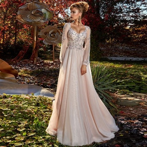 long-sleeved Applique Button Floor length Sweep/Brush Net/Tulle A-line Evening Dresses V-Neck Fashion high quality