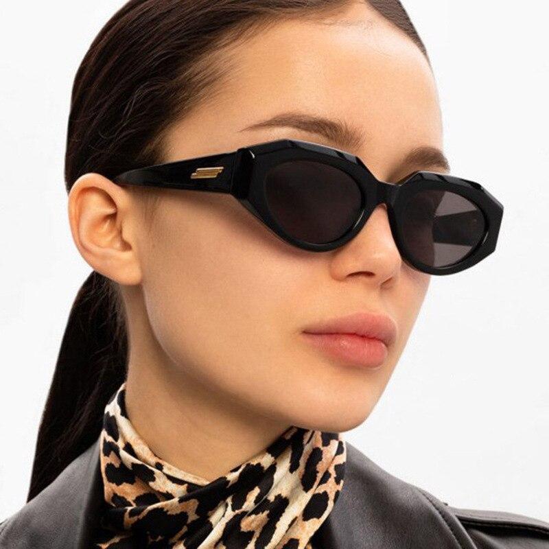 Trendy Square Shades Sun Glasses For Women Vintage Fashion Designer Wholesale Sunglasses For Women W