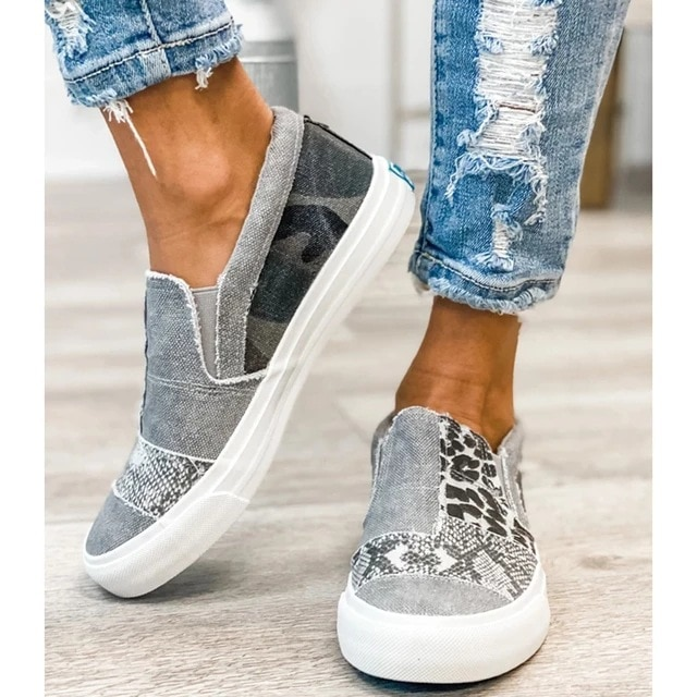 Women's shoes new flat bottom lazy shoes color matching large size casual shoes versatile personality comfortable and durable