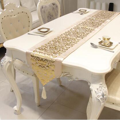 مفرش طاولة فخم أوروبي جديد مخملي مذهب مفرش طاولة مزخرف من Gloden مفرش طاولة أعلام عشاء منسوجات منزلية