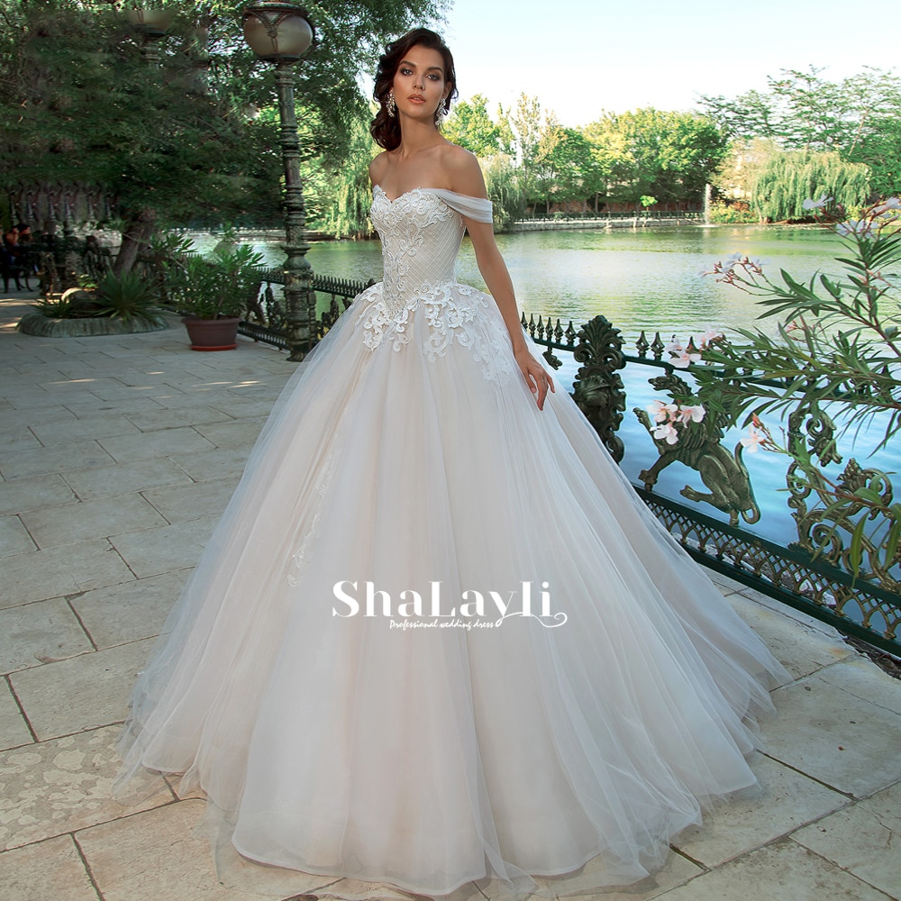 Get Elegant Wedding Dress Organza With Embroidery With Princess Ball Gown Boat Neck Lace Appliques  Bride Dresses Robes De Mariée