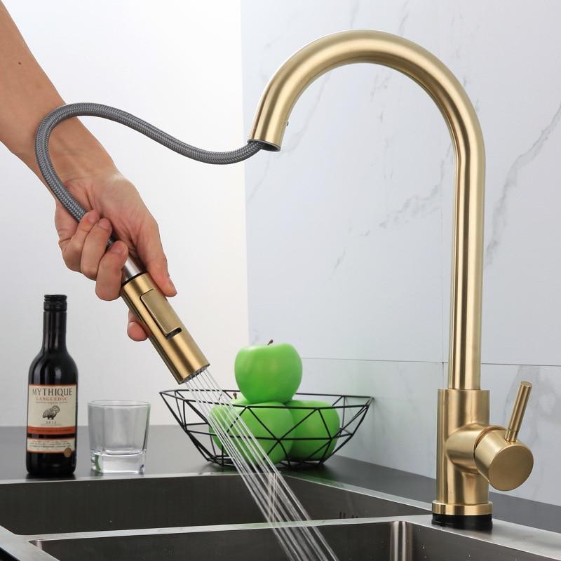 حنفية مطبخ باللون الأسود لون ذهبي مطفي بمستشعر يمكن سحبه للخارج صنابير مياه تدور 360 حنفية ذكية تعمل باللمس خلاط صنبور