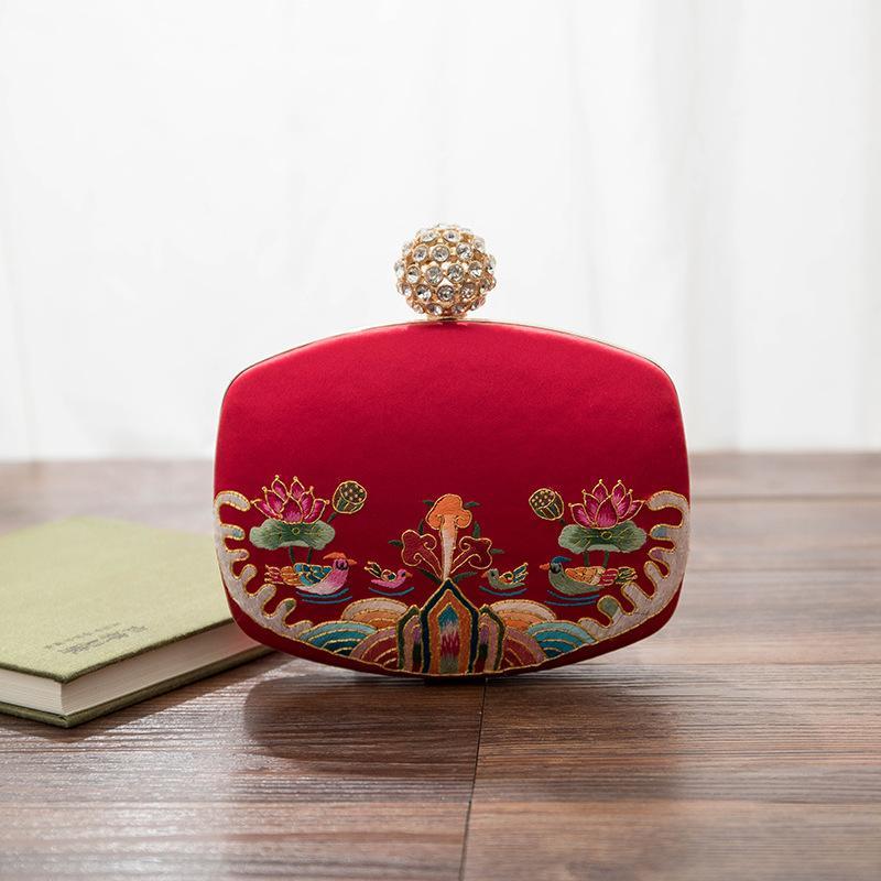 حقيبة اليد العرقية نمط الإناث المطرزة العروس حقيبة اليد الإناث جديد الزفاف الأحمر اليوسفي بطة