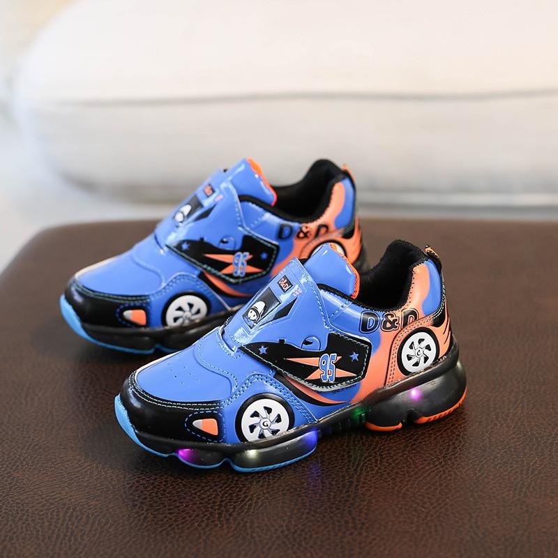 Zapatillas luminosas para bebés de dibujos animados tamaño UE 24-33 zapatos ligeros LED para niños zapatos casuales zapatillas para niños de alta calidad