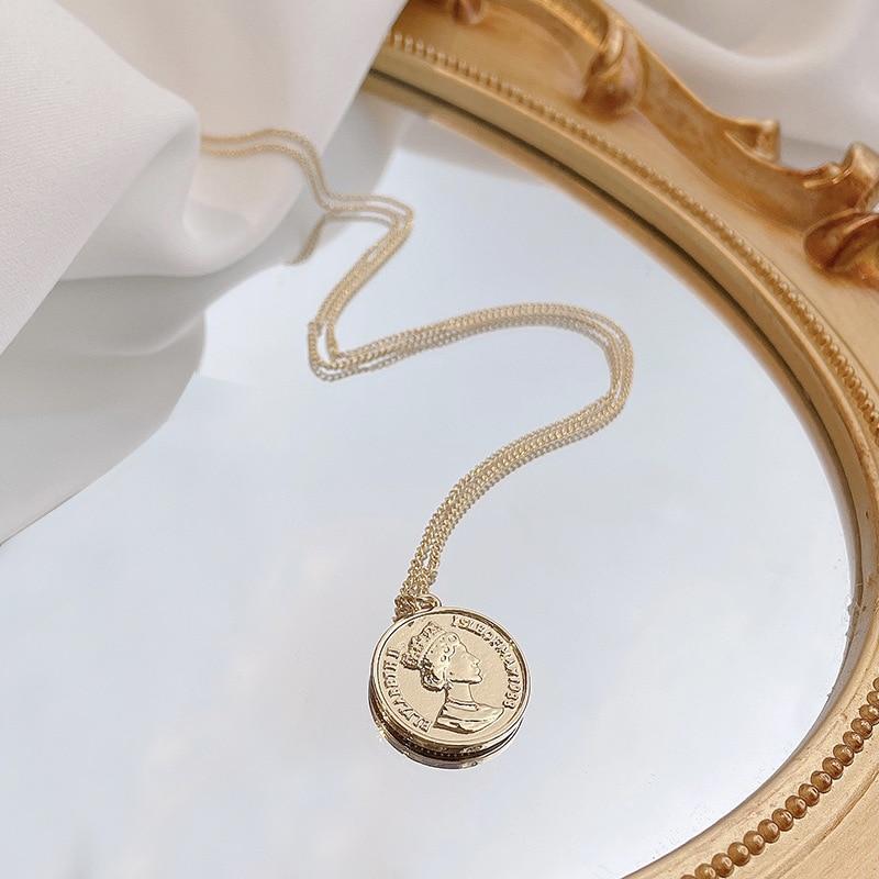 2021 European and American fashion retro wild round beauty head pendant light luxury high-end niche necklace female