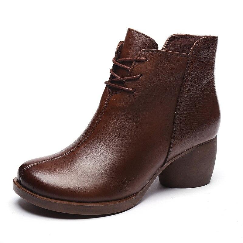 الخريف والشتاء 2020 جديد خمر جلدية مريحة كعب سميك المرأة أحذية عالية الكعب مارتن الأحذية جلد الأحذية قصيرة