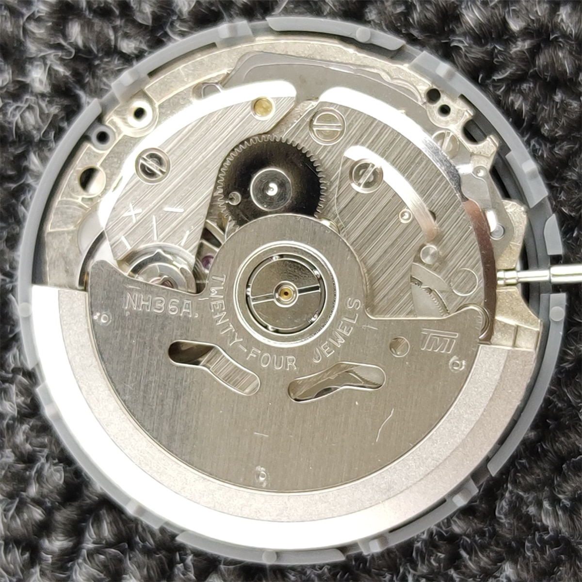NH36 Movement Brand New Original  Automatic Dual Calendar 3Oclock Crown 3.8 O'clock Crown Watch Movement Replacement Parts enlarge