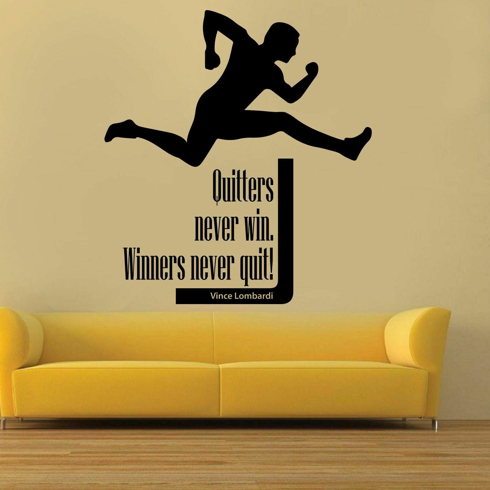 Calcomanía deporte de pared Hurdle Quitters Never Win inspiración citas puerta vinilo adhesivo para ventana dormitorio de adolescente escuela decoración Interior Q377