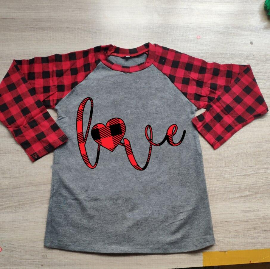 ملابس عيد الحب للأم والبنت بالجملة, ملابس عيد الحب للأم وابنتها قميص منقوش للأم والابنة ملابس عصرية