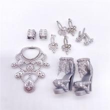 11 unids/set de muñeca accesorios = + 4 vasos + 6 collares + 2 bolsos + 10 Barbies zapatos para usar ropa