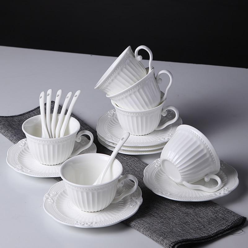 الأوروبي فنجان القهوة الصحن مع قاعدة الملاعق شاي أبيض القدح عشاء الحليب لاتيه أكواب أواني الزفاف kubic المنتجات المنزلية DF50BD