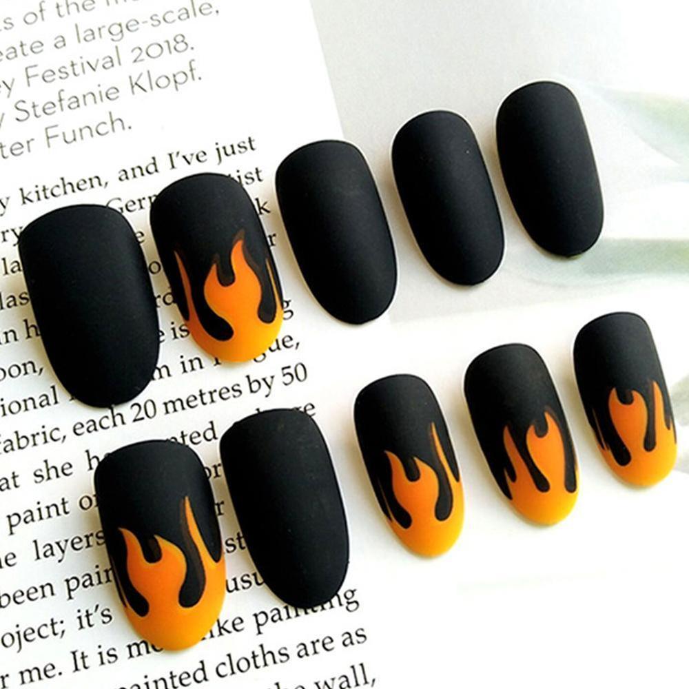 24pcs/Set Punk Fire Pattern Matte False Nails Dark Black Pre-design Short Round Head Full Cover Nail Tips Fnished Nail Art