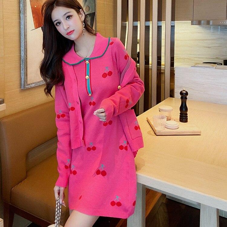 2021 الكورية قطعتين دعوى خمر مطرزة الكرز سترة برقبة على شكل v معطف غير رسمية محبوك طويلة الأكمام فستان صغير الإناث مجموعة
