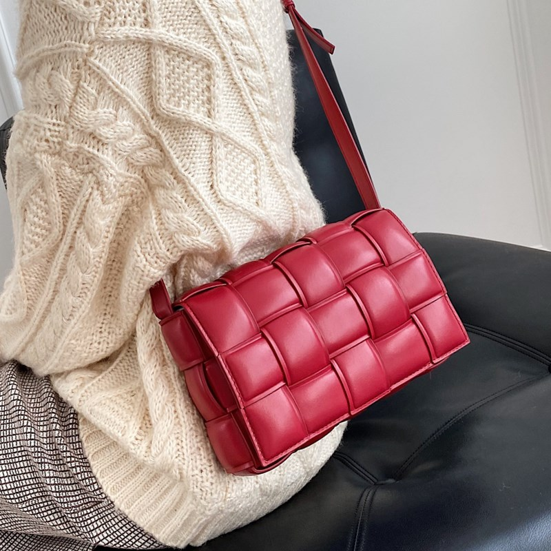 Casual Women Small Flap Crossbody Bag Hot Sale High End Leather Sling Bags Ladies Fashion Solid Color Weave Square Shoulder Bag