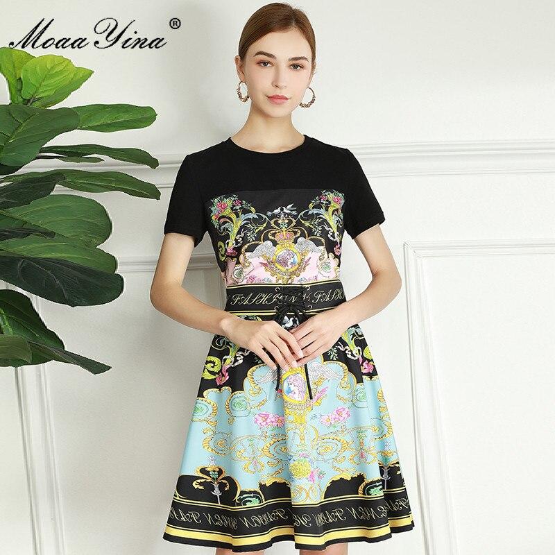 MoaaYina الأزياء مصمم الصيف تنورة مجموعة المرأة الأسود عارضة قصيرة الأكمام قميص + حزام عالية الخصر طباعة تنورة 2 قطعة بدلة