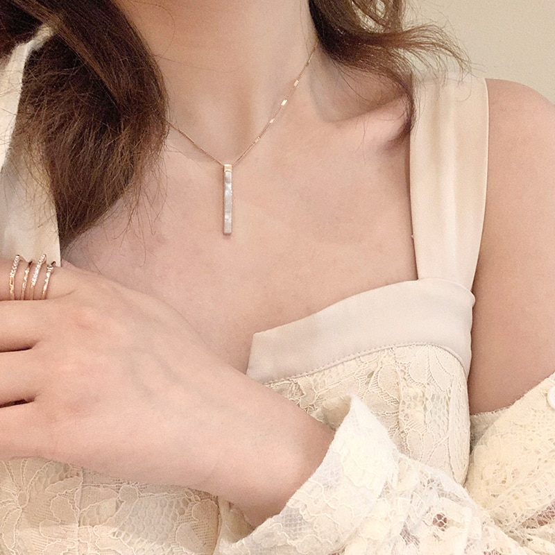 Vertical Bar Simple White Shell Square Pendant Necklace Female Clavicle Chain Ins Cold Style Ornamen