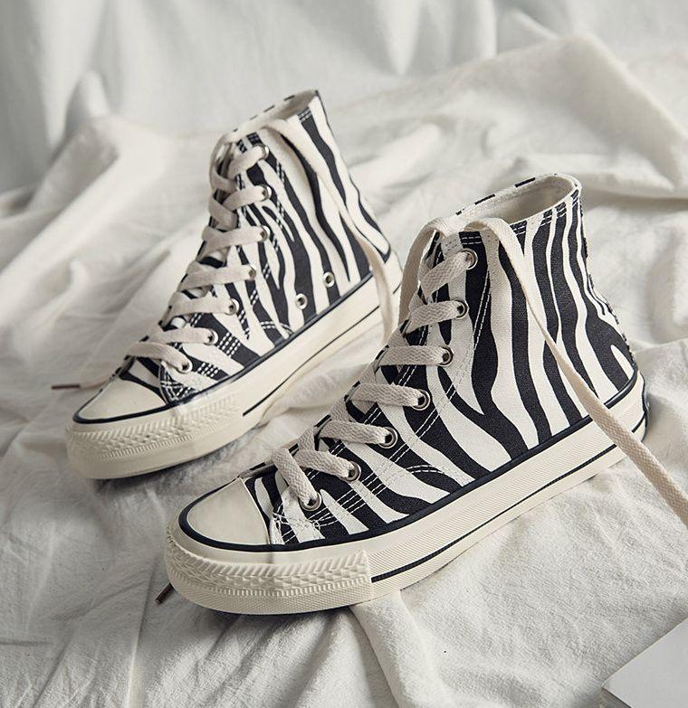 INS عالية أعلى حذاء قماش المرأة زيبرا نمط 2021 نمط جديد حذاء نسائي كاجوال موضة أحذية رياضية مريحة الإناث