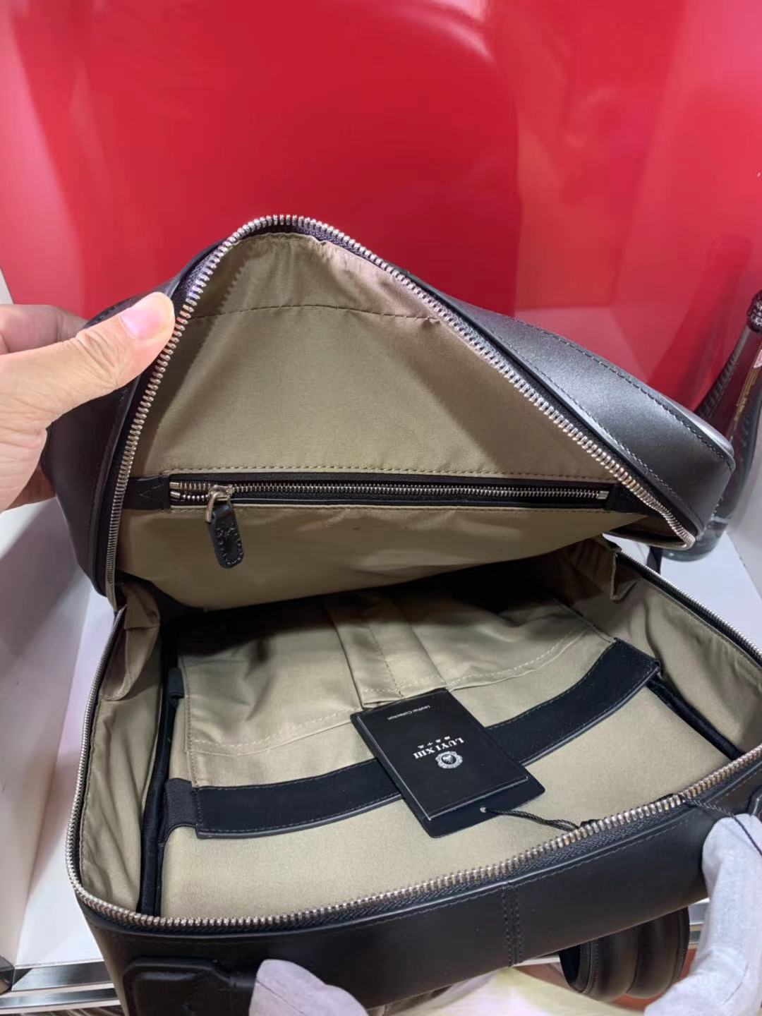 Luxury brand men's cowhide backpacks high quality fashion new straddle leather leather large capacity office bag LUYI XIII