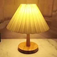 Lampe de Table plissee coreenne en bois  lampe de Table pour salon chambre a coucher  lampe de bureau mignonne avec ampoule tricolore a cote