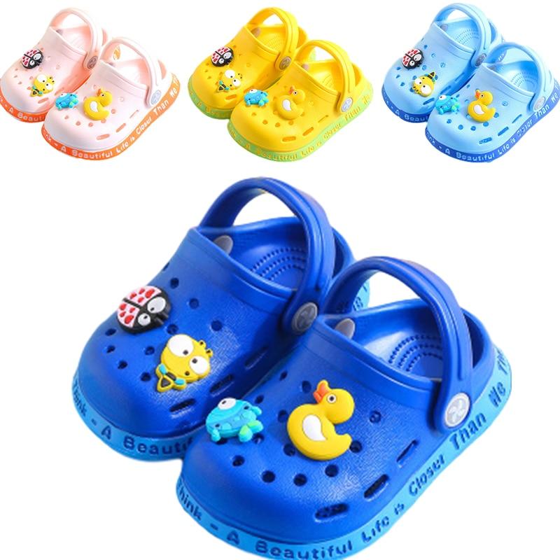 Lindas pantuflas con diseño de pato para niños y niñas, zapatos de dibujos animados, chanclas de verano para bebé, zapatillas de interior, zapatillas de playa para niños